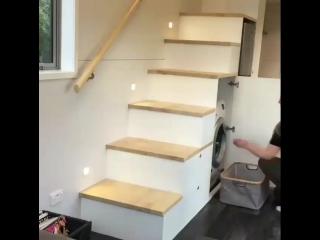 Что можно разместить под лестницей