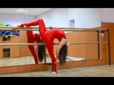 Gymnastic stretching legs - a professional trainer - contortionist, Contortion, 芭蕾舞蹈
