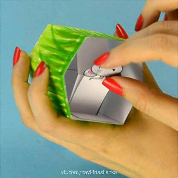 КОШКИ-МЫШКИ Игрушка из бумагиПоиграй со мной немножко, Предложила мышка кошке.И сказала кошка мышке:Ах, какая ты глупышка!Если встречусь на дорожке,Уноси скорее