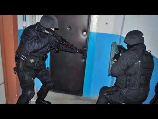 Момент задержания подозреваемых в убийстве бойца спецназа Никиты Белянкина
