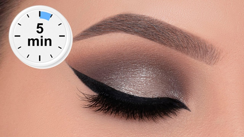 5 MINUTE Silver Smokey Eye Tutorial $3 palette 😱