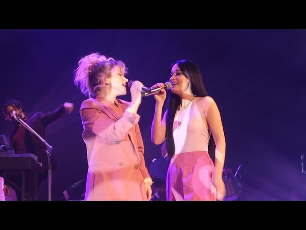 HD Hayley Williams and Kacey Musgraves Girls Just Wanna Have Fun 2 27 19 Ryman Auditorium