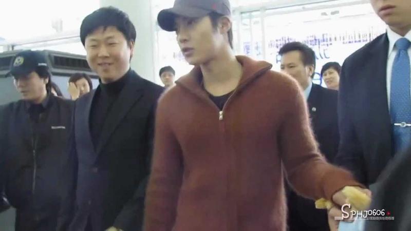 121218 Kim Hyun Joong @Hong Kong airport