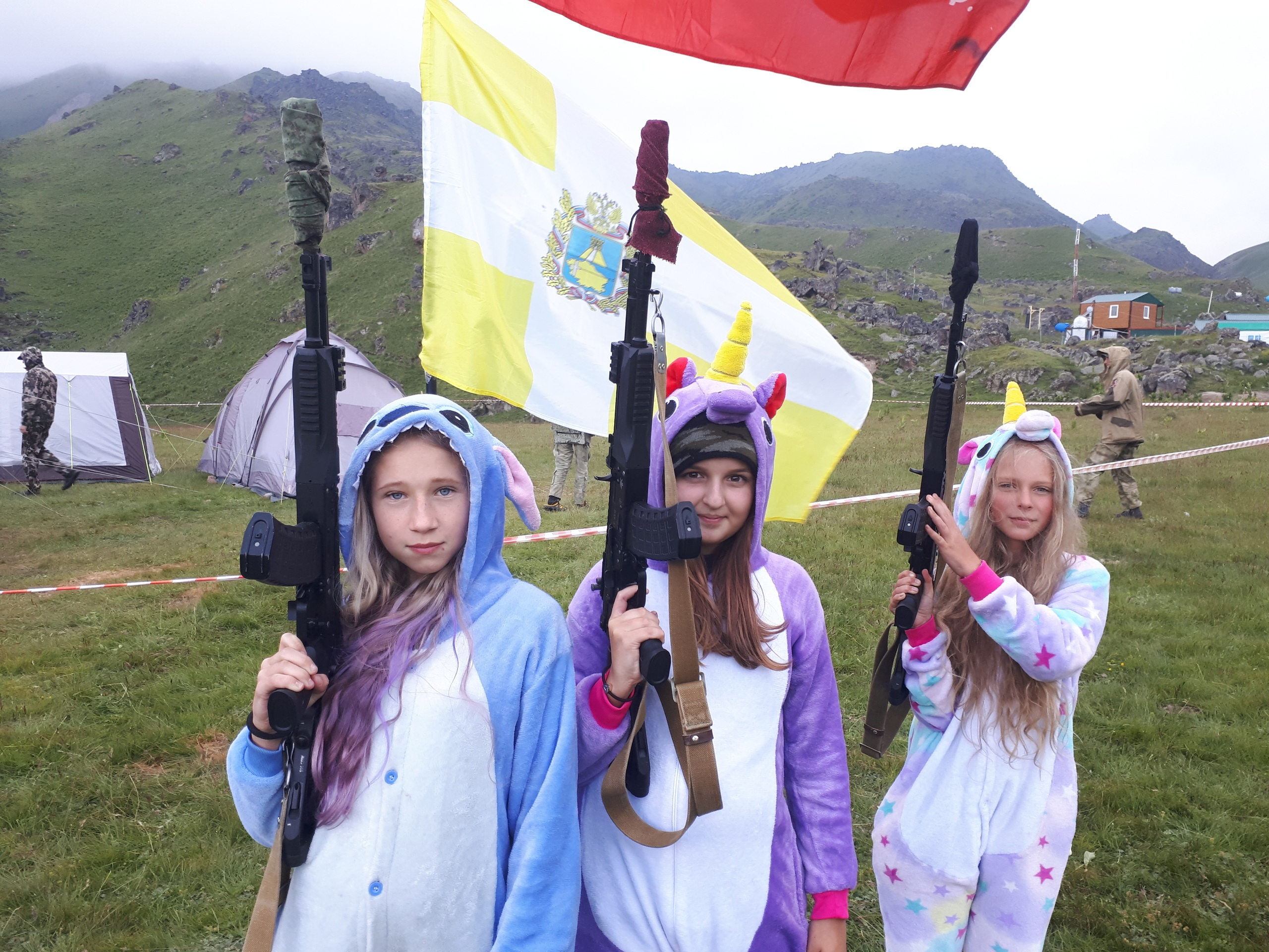 Камуфляжная вечеринка на Эльбрусе