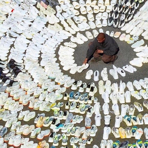 Канье Уэст  показал свою коллекцию кроссовок!