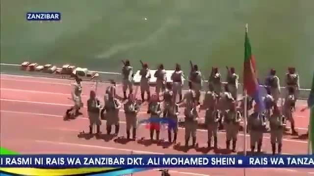 Военный парад в Занзибаре Маски Шоу