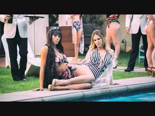 Venus at the party - Venus Lux & Cherie DeVille [2018, Shemale dominate, Oral, Hardcore, Shemale on Female, 1080p]