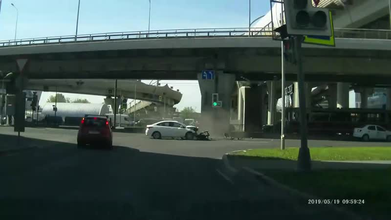 ДТП на перекрёстке Планерной и Савушкина