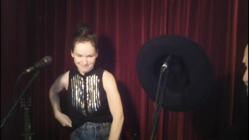 Apres La Covid Blues Live Podcast Acoustic CountryMusic HonkyTonk Show Love Songs Humor Fun