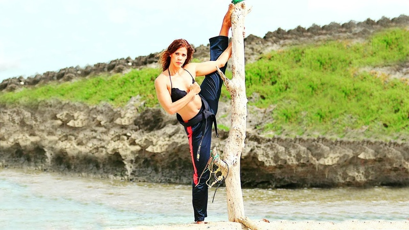 Amazing Stunt Best Martial Arts Kicks Girls