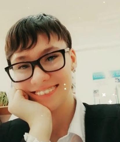7 мая под Одессой нашли мертвой 14-летнюю Алину Недову 6 мая она вышла из дома и пропала. На брифинге начальник областного управления Национальной полиции Олег Бех сообщил, что Недова покончила