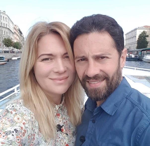 Антон Макарский 21 год вместе с женой!