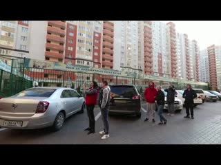 Музыкант Игорь Ермошкин из города Ставрополь выступил перед жителями своего района.