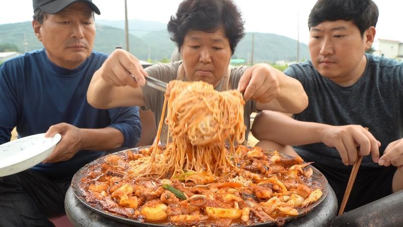 매콤하게 만든 낙지 볶음에 소면까지 쓱싹~ Stir fried small octopus 방 Mukbang eating show