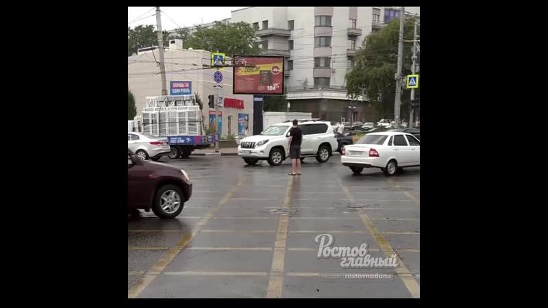В Ростове сломался светофор