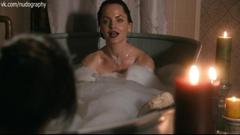 Мена Сувари Mena Suvari в ванной в сериале К югу от ада South of Hell 2015 Сезон 1 Серия 3 s01e03