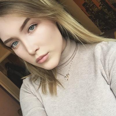 Анна Рогова
