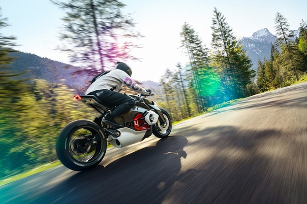 BMW представила концепт электрифицированного родстера Motorrad Vision