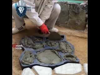 Один из вариантов изготовления садовой дорожки при помощи формы - имитация под камень -