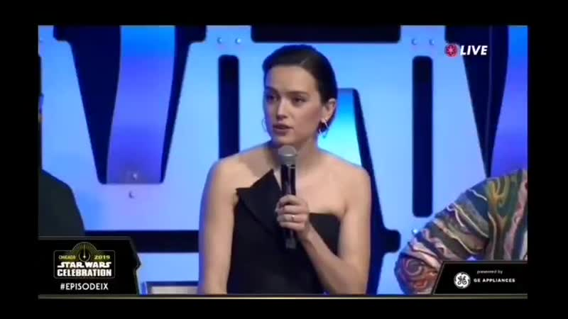 I cant believe they talked explicitly about reylo and adams chest in this panel eye