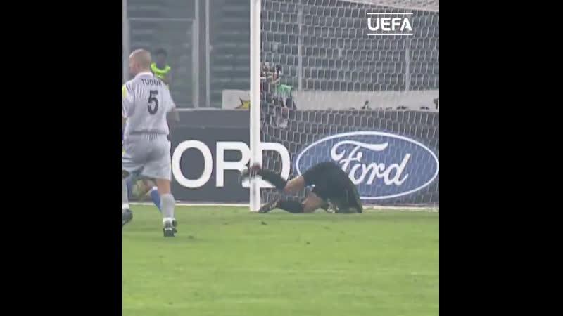 Ван дер Сар спасает Ювентус от автогола после срезки Тудора