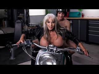 Sally D'Angelo - Bad To The Granny Bone (Big Tits, Blonde, Blowjob, MILF)