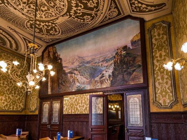 Интересно. Великолепный и роскошный ресторан «Синий поезд»