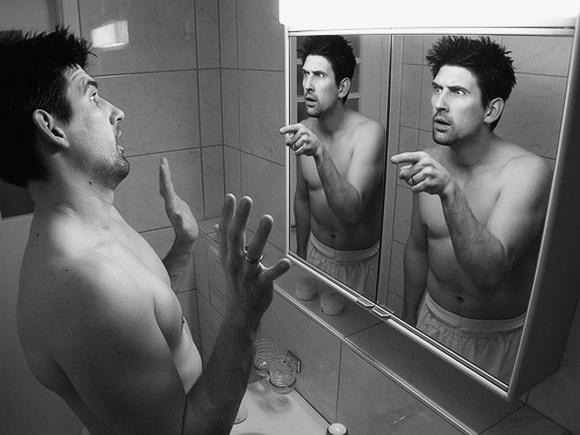 без макияжа без причёски без эластичного белья стою пред зеркалом и вижу не я © беркович
