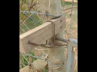 Защёлка для калитки - очень простой вариант -