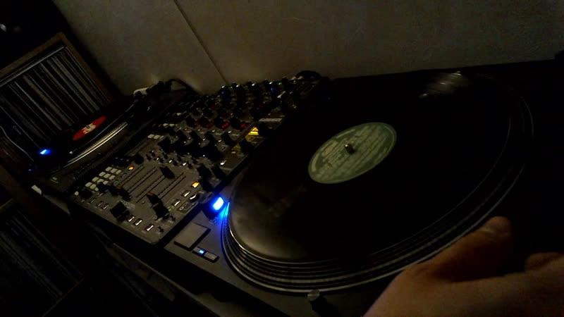 пробуем новые старые и старые новые пластинки drumandbass deepjungle vinylonly