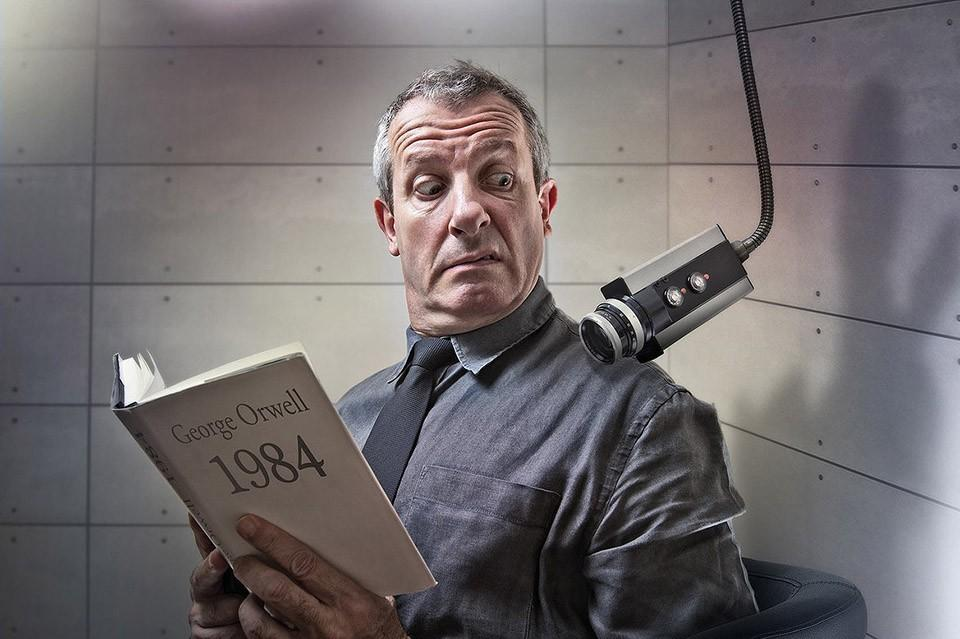 Фотопроект Пьера Бетеля про книги с особым смыслом