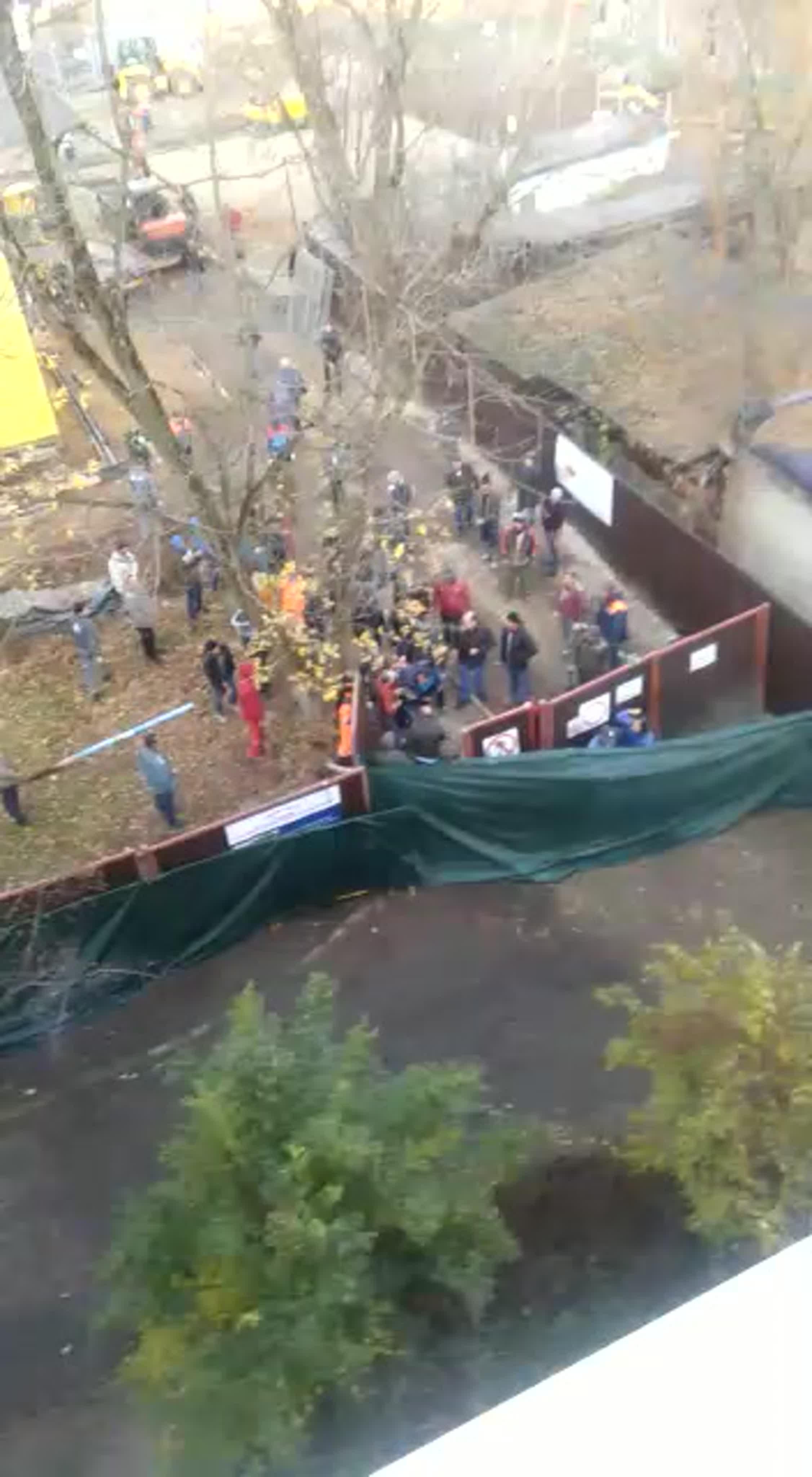 Появилось новое видео нападения людей в строительной