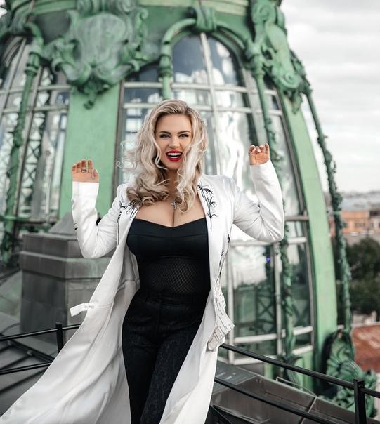 Анна Семенович определила минимальный заработок для мужчины Певица Анна Семенович рассказала о минимальном заработке для своего мужчины. В опубликованном на YouTube интервью артистка заявила,