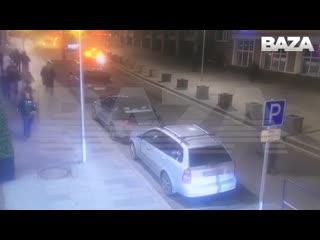 Первые кадры нападения с камер наблюдения на Лубянке Рифмы и Панчи