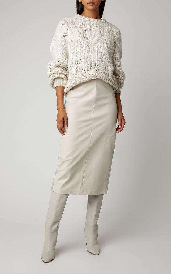 Белый трикотаж- роскошные модели, которые сделают образ женственным