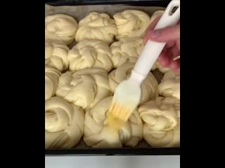Булочки, как пух (ингредиенты в описании видео)