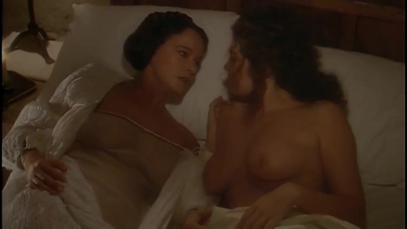 Laura Antonelli Clelia Rondinella Nude And Sexy Lesbian La Venexiana 1986 720p