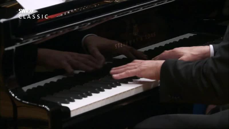 Штраус Р., Бурлеска, Моцарт В.А., Рондо KV386 для фортепиано с оркестром, Ц.Барто, К. Эшенбах, SWR SO, 20.01.17 (П)