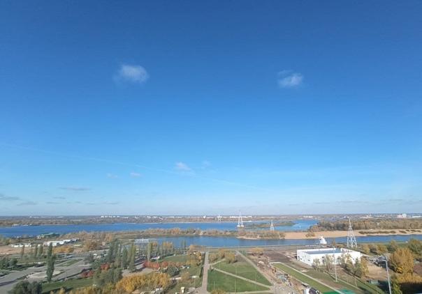 На набережной Гребного канала в Нижегородском райо...