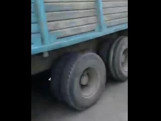 Интересный способ запуска тягача