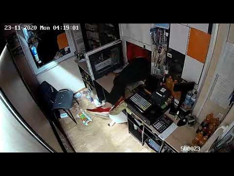 В Молодечно четверо несовершеннолетних залезли в Табакерку и похитили товара на 1 400 рублей
