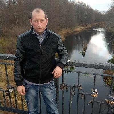 Александр, 40, Sarov