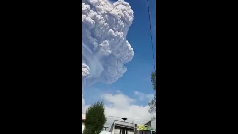 25.12.2019..ВЬЕТНАМ...- появились странные грибовидные облака, что это за облака, здесь нет вулканов