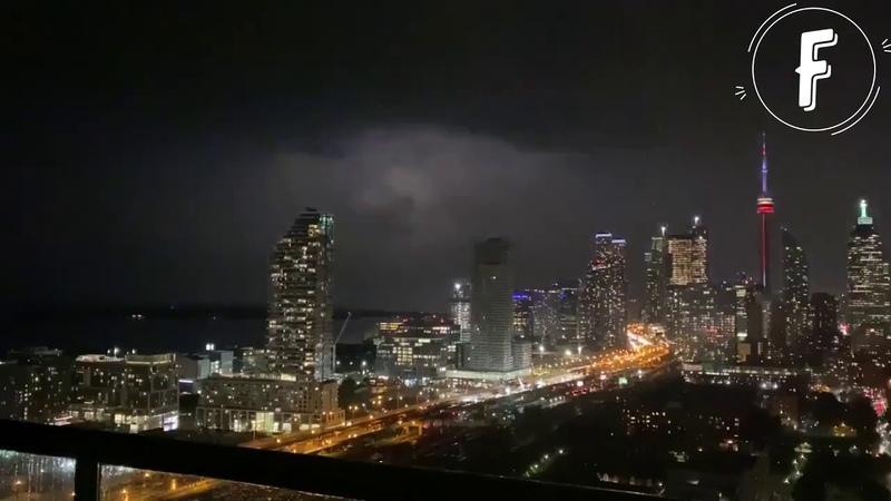 Интенсивная гроза в Торонто Канада Intense Thunderstorm in Toronto Canada